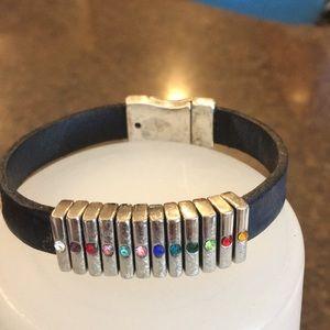 Jewelry - Leather bracket